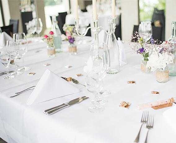 Heiraten und hochzeit feiern in m nchengladbach und am for Tischdekoration hochzeit bilder